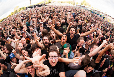crowd_TimSnow_HeavyMontreal_20150807-1